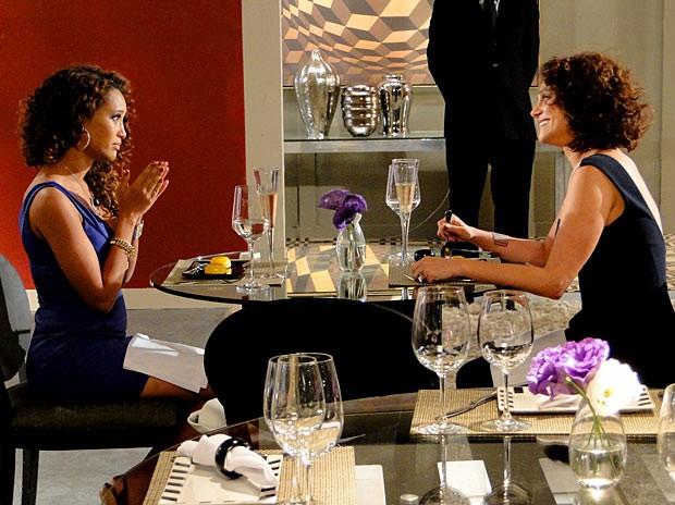 Penha e Lygia: amigas para sempre (Foto: Cheias de Charme / TV Globo)