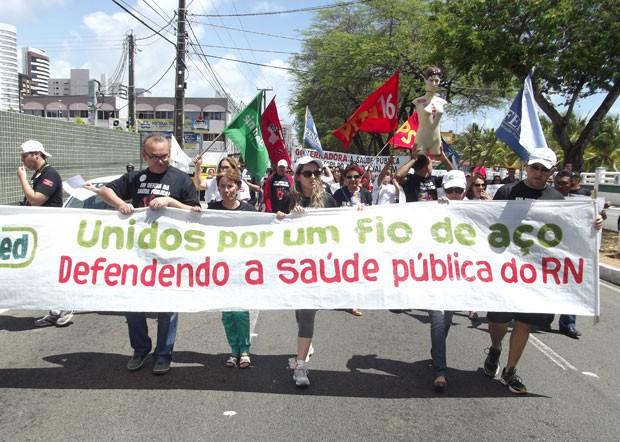 'Marcha do Fio de Aço' percorreu ruas da cidade (Foto: Anderson Barbosa/G1)
