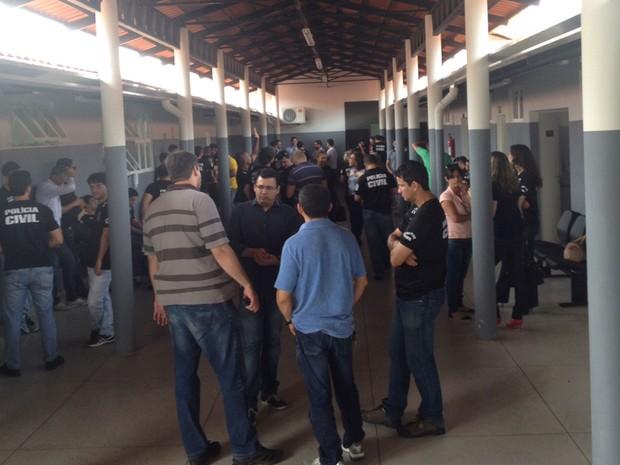 Policiais e servidores da Segurança Pública fazem paralisação em Goiás (Foto: Murillo Velasco/G1)