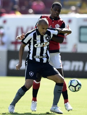 Roger Botafogo x Juan Flamengo (Foto: André Durão)