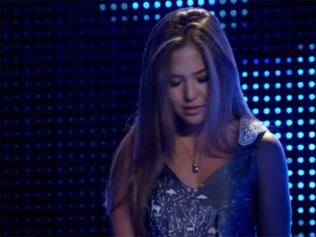 Hana Massuda recebe a notícia (Foto: Parker TV)
