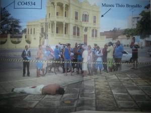 Local onde o flanelinha foi morto. (Foto: Divulgação)
