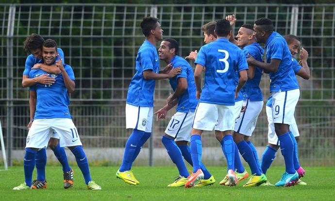 Comemoração do Brasil contra a Inglaterra Torneio de Toulon (Foto: Getty Images)