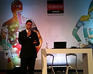 Ronaldo Miranda, gerente-geral da AMD Brasil, em apresentação do novo processador e dos planos de marketing da empresa no país (Foto: Gustavo Petró/G1)