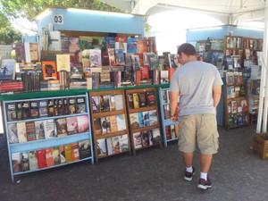 Descontos estão atraindo compradores (Foto: Laís Vargas/G1)