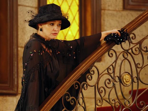 Quem será esta misteriosa mulher que atende pelo nome de Blanche (Foto: Guerra dos Sexos/TV Globo)
