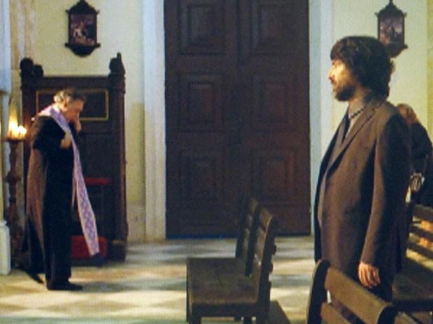 Dom Rafael vaI à igreja (Foto: Flor do Caribe / TV Globo)