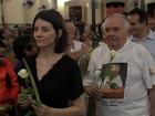 Viúva e irmão de Chico Anysio fazem homenagem para o humorista no CE