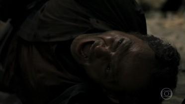 Jonas provoca uma explosão e é soterrado