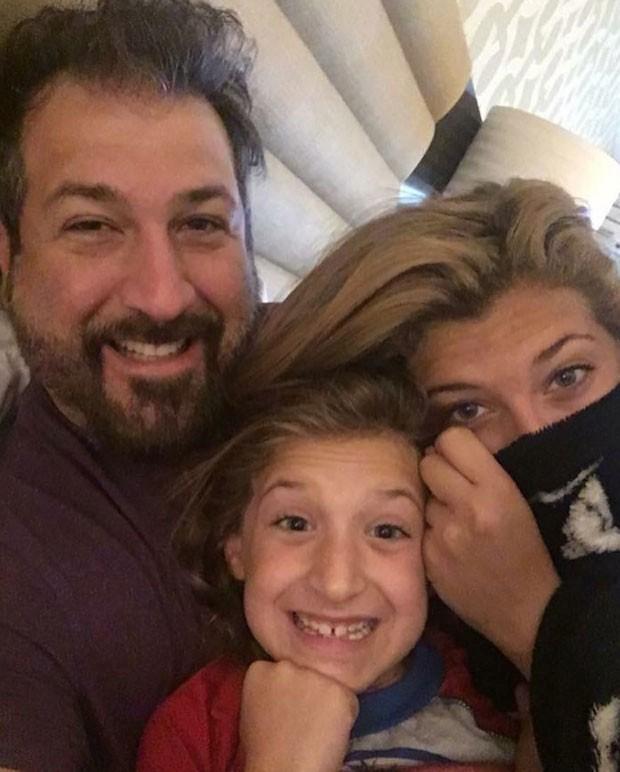 Joey Fatone e as filhas (Foto: Reprodução)