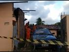 Árvore cai, atinge carro, loja e deixa jovem ferido em Dois Unidos, Recife