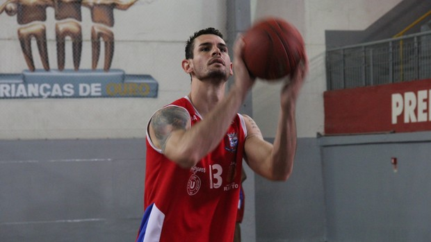 Alex Passilongo Suzano Basquete (Foto: Thiago Fidelix / Globoesporte.com)
