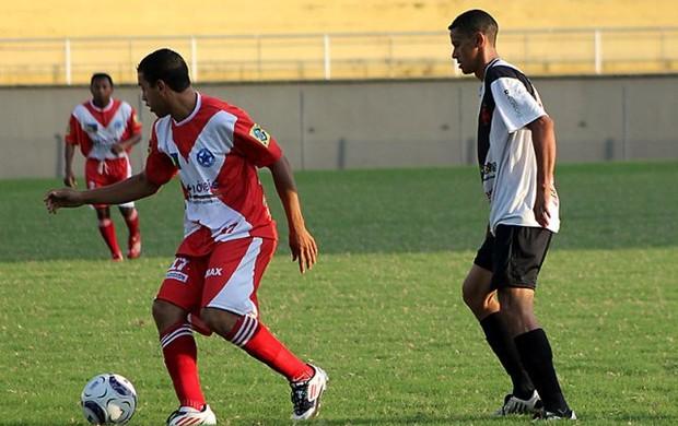 Amax e Vasco da Gama se enfrentam no estádio Florestão 2012 (Foto: Francisco Dandão/Arquivo Pessoal)
