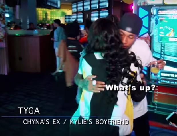 Blac Chyna e Tyga se abraçam (Foto: Reprodução/E!)