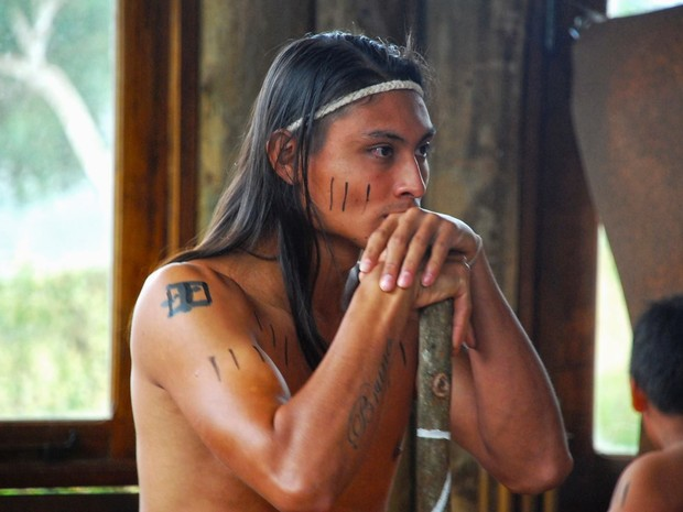 Mesmo tentando manter a tradição, os índios são cada vez mais influenciados pela cidade (Foto: Daniel Jaeger Vendruscolo / Arquivo pessoal)