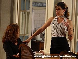 Vera e Luciana comentam sobre Flaviana (Foto: Malhação / TV Globo)