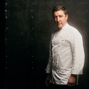 NO TOPO O chef catalão Joan Roca. Depois de 27 anos de forno e fogão, o El Celler de Can Roca foi eleito o melhor pela revista The Restaurant (Foto: Divulgação)