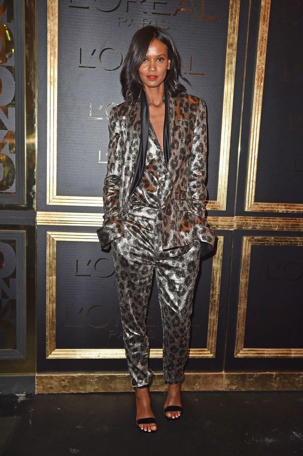 Liya Kebede usa terninho estampado em evento vip (Foto: Getty Images)