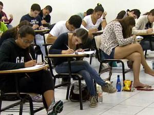 Estudantes fazem a primeira prova da 2ª fase da Unicamp (Foto: Reprodução EPTV)