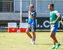 Recuperado, Barrios encorpa grupo, mas esbarra no estilo móvel do Grêmio