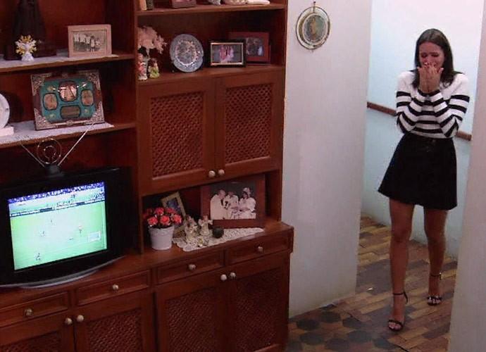 Reconstituição da sala também emocionou atriz (Foto: Globo)