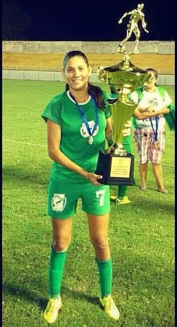 Meia Valéria Paula, ex-Assermurb, é contratada pelo XV Piracicaba (Foto: Valéria Paula/ arquivo pessoal)