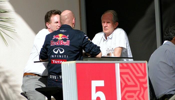 Christian Horner, Helmut Marko, Adrian Newey em reunião de cúpula