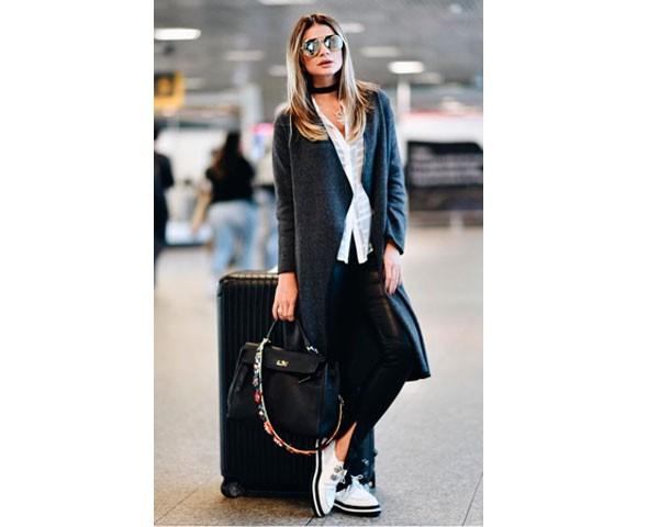 Casacos longos te protegem no vôo (Foto: Instagram)