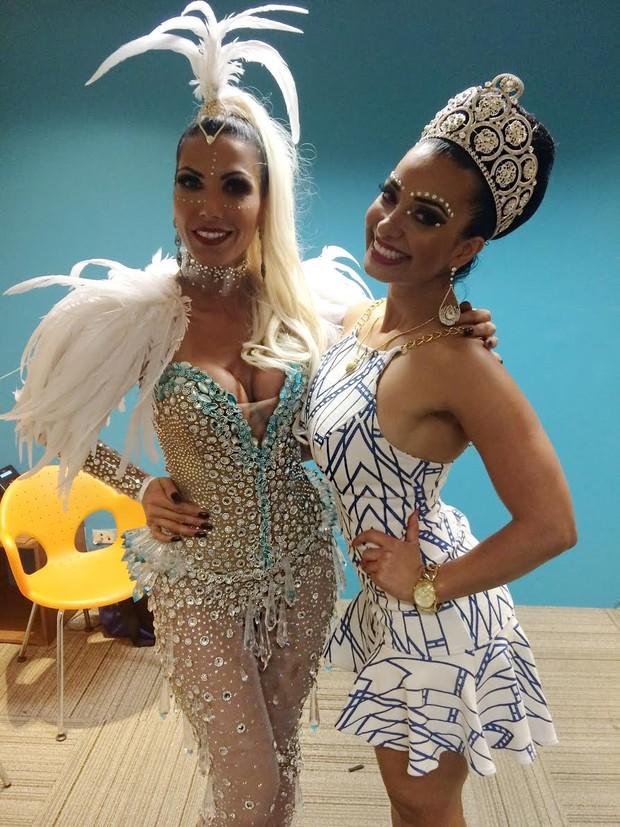 Nágila Coelho e Cinthia Santos  nos bastidores de gravação da vinheta (Foto: Renato Cipriano / MF Assessoria )