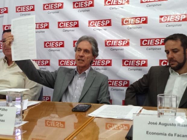 José Nunes Filho (centro) atacou proposta da CPMF e criticou governo federal (Foto: Fernando Pacífico / G1 Campinas)