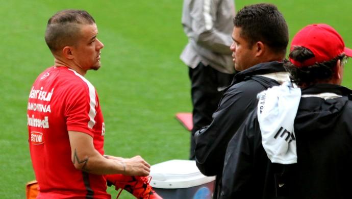 Internacional Inter treino D'Alessandro Galego Inter  (Foto: Eduardo Deconto/GloboEsporte.com)