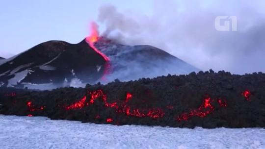 Vídeo mostra detalhes de erupção de vulcão Etna, na Itália