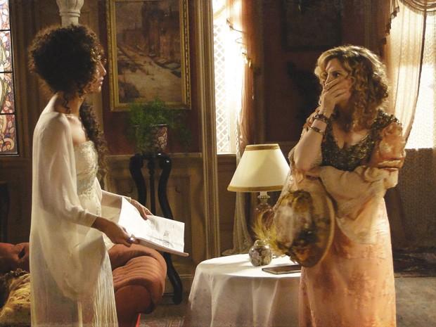 Arrasad, Diva diz que Isabel não liga para sua carreira (Foto: Lado a Lado / TV Globo)