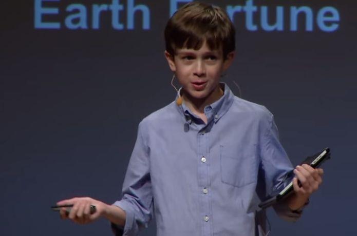 Thomas Suarez, com apenas 15 anos, promete revolucionar a impressão 3D e é fã confesso de Steve Jobs (Foto: Reprodução/YouTube)