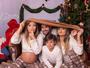 Grávida, Kelly Key posa vestida igual ao marido e filhos em clima de Natal