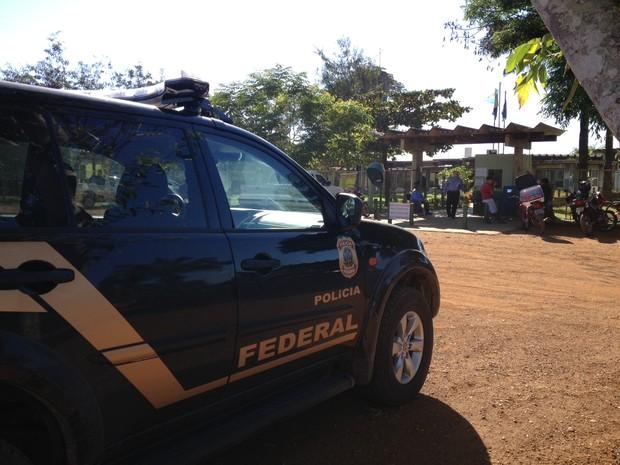 Polícia Federal cumpre mandado na sede do Incra, em Porto Velho (Foto: Larissa Matarésio/G1)