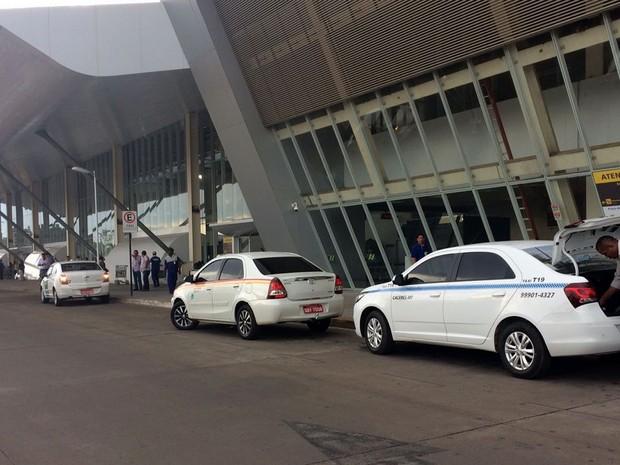 Fiscalização ocorre principalmente na região do Aeroporto Marechal Rondon, em Várzea Grande (Foto: Bruna Barbosa/G1)
