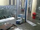 Grupo usa van para invadir mercado e arrombar caixas em Caxias do Sul, RS