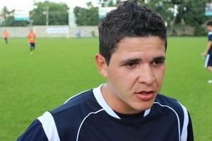 Diego Renan participa de jogo beneficente em Goiânia (Foto: Fernando Vasconcelos / Globoesporte.com)