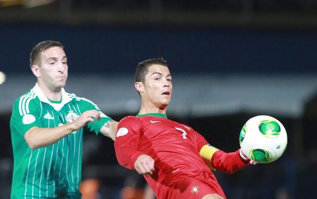 Cristiano Ronaldo Portugal x Irlanda do norte (Foto: EFE)