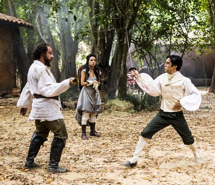 André assume lugar de Joaquina em duelo contra Malveiro (Foto: Ellen Soares/Gshow)