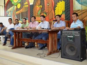 Representantes de entidades se reuniram nesta segunda-feira ()23, no auditório da Seapa. (Foto: Valéria Oliveira/ G1)