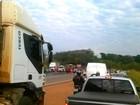 Trabalhadores sem-terra bloqueiam quatro rodovias em Mato Grosso