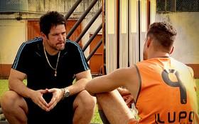 Jorginho admite que namora Rita e pede que Tufão minta para ajudá-lo