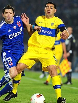 Riquelme e José Rojas, Universidad de Chile x Boca Juniors (Foto: Agência AFP)