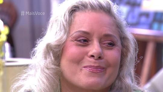 Vera Fischer chora ao ouvir música de Tom Jobim feita para sua personagem na novela 'Brilhante'