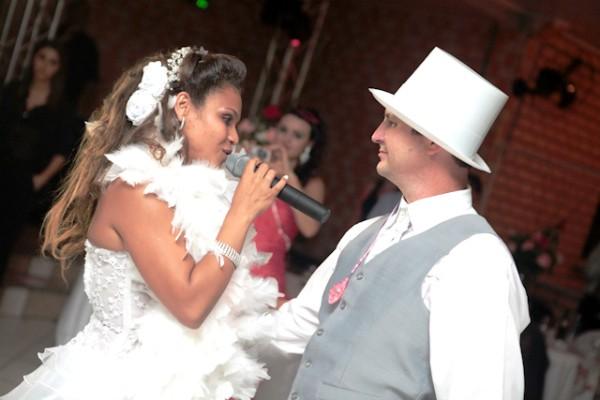 Os noivos, na festa em Siderópolis, no Sul de Santa Catarina (Foto: Arquivo pessoal/Janaína Cruz)