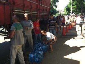 Distribuição de água ficou mais tranquila, segundo sargento (Foto: Sargento Márcio Freitas/Arquivo Pessoal)
