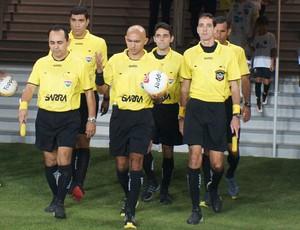 Lenilson de Lima, Vinicius de Melo e Luiz Carlos Câmara, árbitros, RN, Arena das Dunas (Foto: Augusto Gomes)