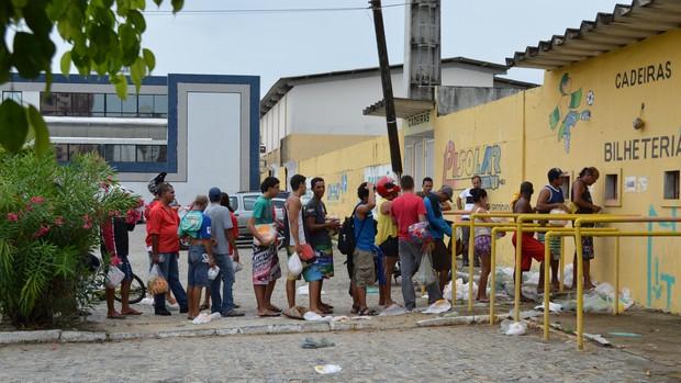 Movimentação foi intensa no Batistão (Foto: Felipe Martins/GLOBOESPORTE.COM)